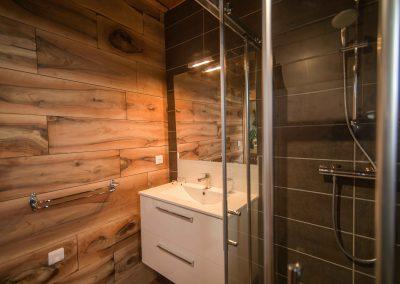Gite ardèche bois eden salle de bain